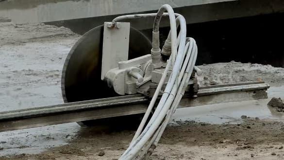 резка бетона спб